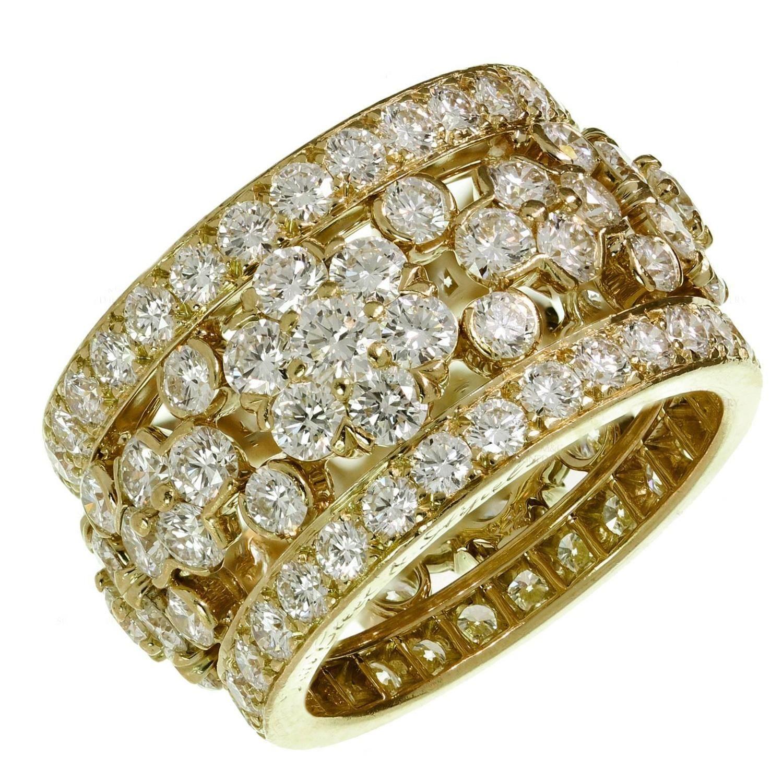 37e00e221e8e1 Van Cleef   Arpels Snowflake Bandeau 6.30 Carats Diamonds Gold Ring ...