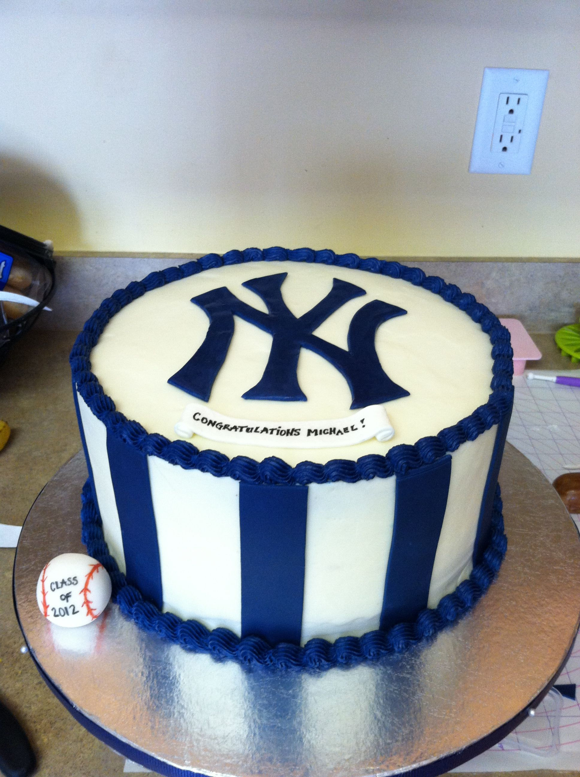 Yankee Cake Made With Fondant Decorations
