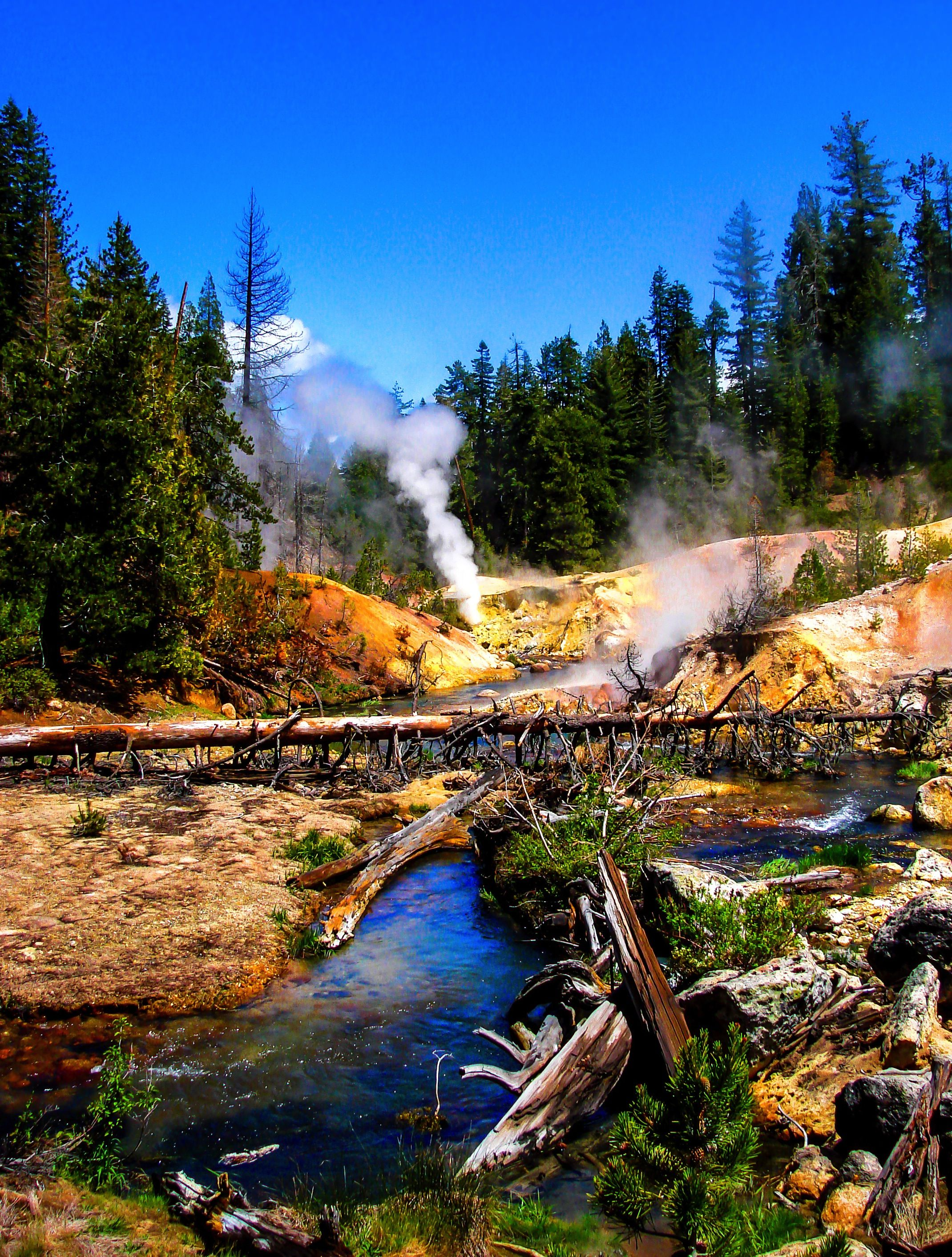 Lassen volcanic national park is home to smoking fumaroles for Lassen volcanic national park cabins