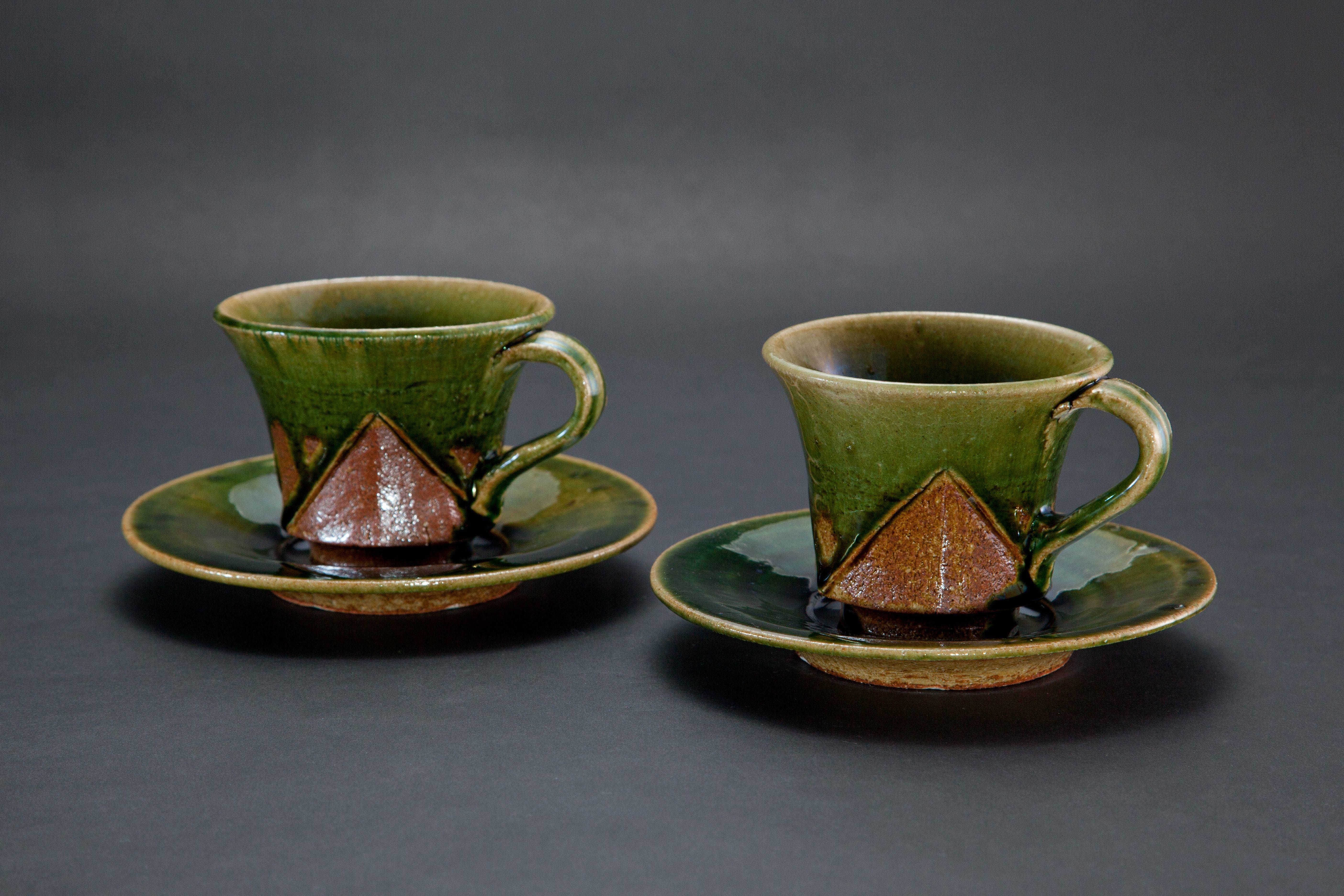織部刻文珈琲碗皿(2点)Cup and saucer with engraved, amber glaze 2012