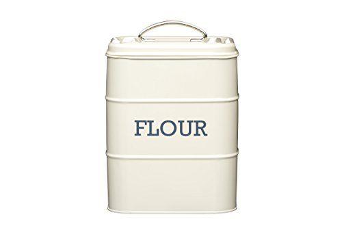 Living Nostalgia Kitchen Craft Boîte à farine en étain Crème: This flour tin blends vintage style with old-fashioned practicality. Its…