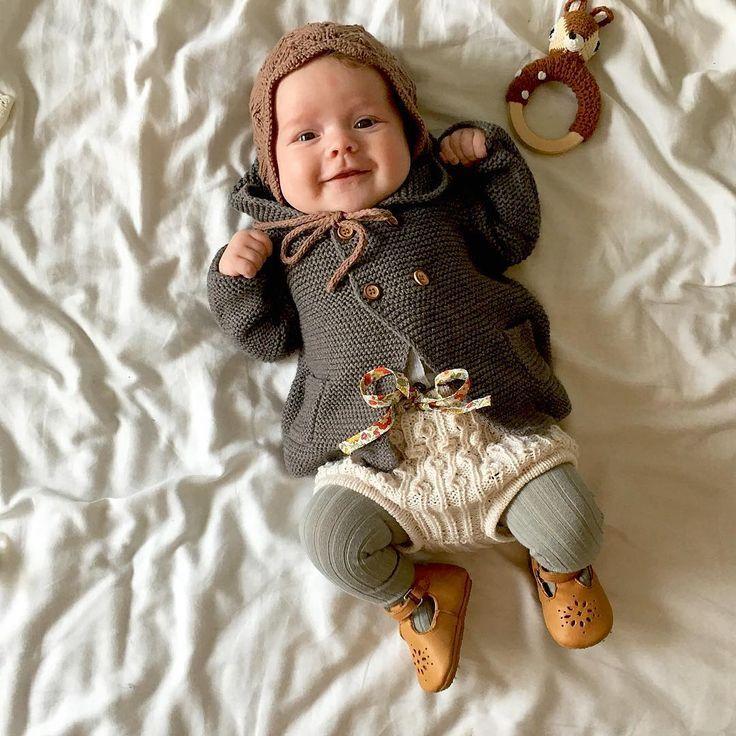 """Photo of Silje Halleraker on Instagram: """"Blid og god! #babystrikk #dagensmatilde #babyknit #strikkedilla #babyknit #baby#zarakids #bønnespirebloomers #knittingforolive"""""""