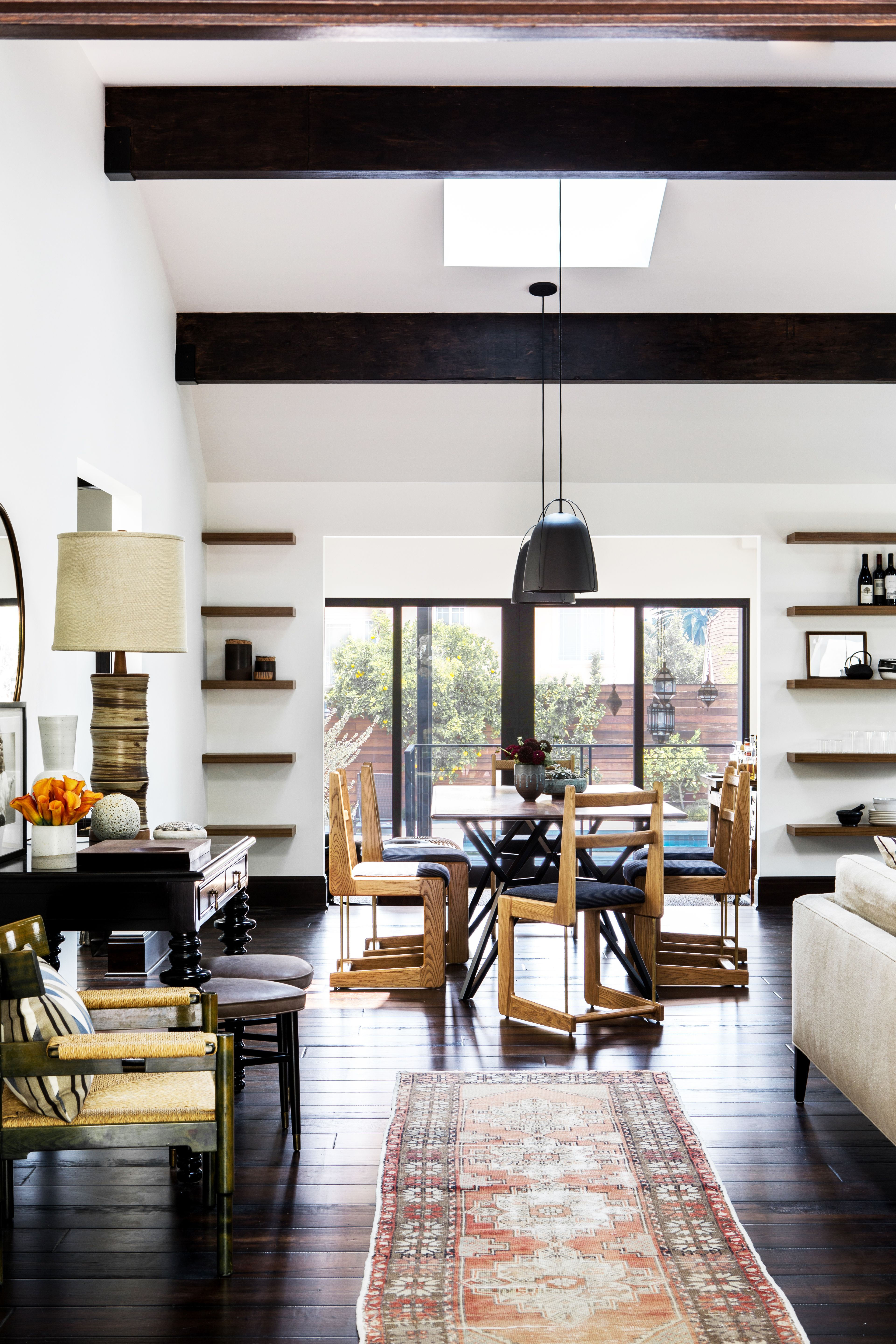 Bungalow Upgrade: A Craftsman House Orchestrated for a Hollywood ...