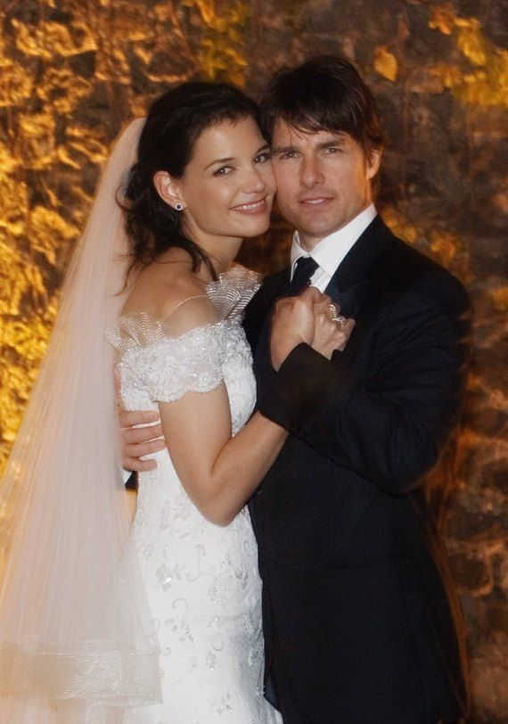 Katie Holmes And Tom Cruise Celebrity Wedding Photos Celebrity Bride Famous Wedding Dresses