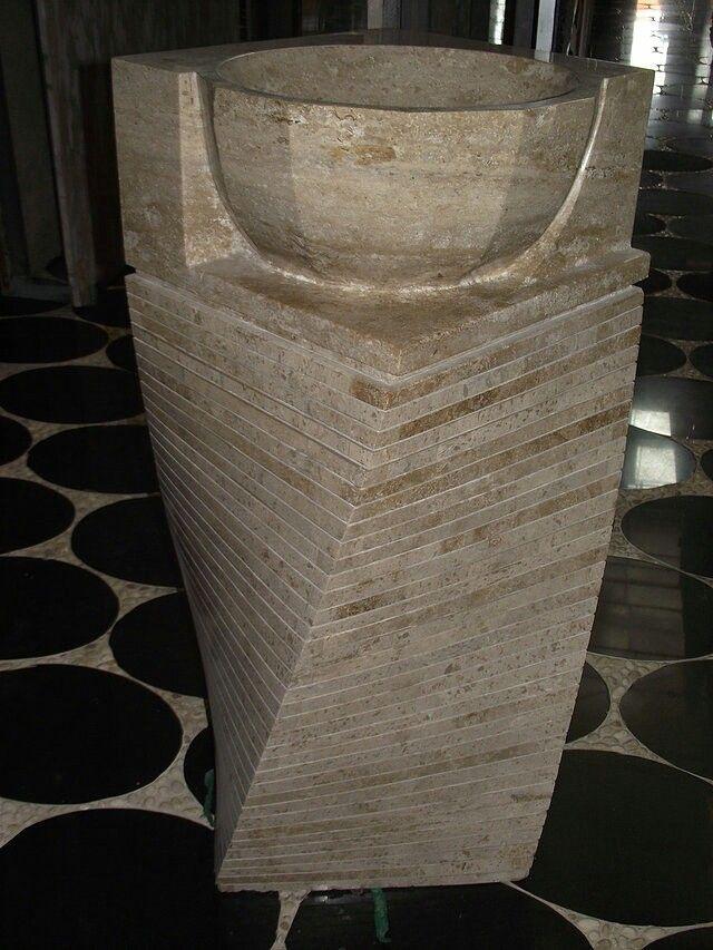 Lavatório pedestal mármore para um canto