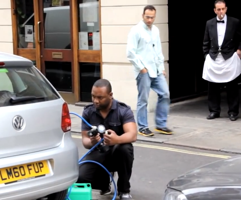 Will Anyone Stop This Guy Stealing Gas In Public Video