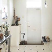 インテリア · 狭くてもおしゃれに見せるちょっとのコツ。賃貸マンションの「玄関」