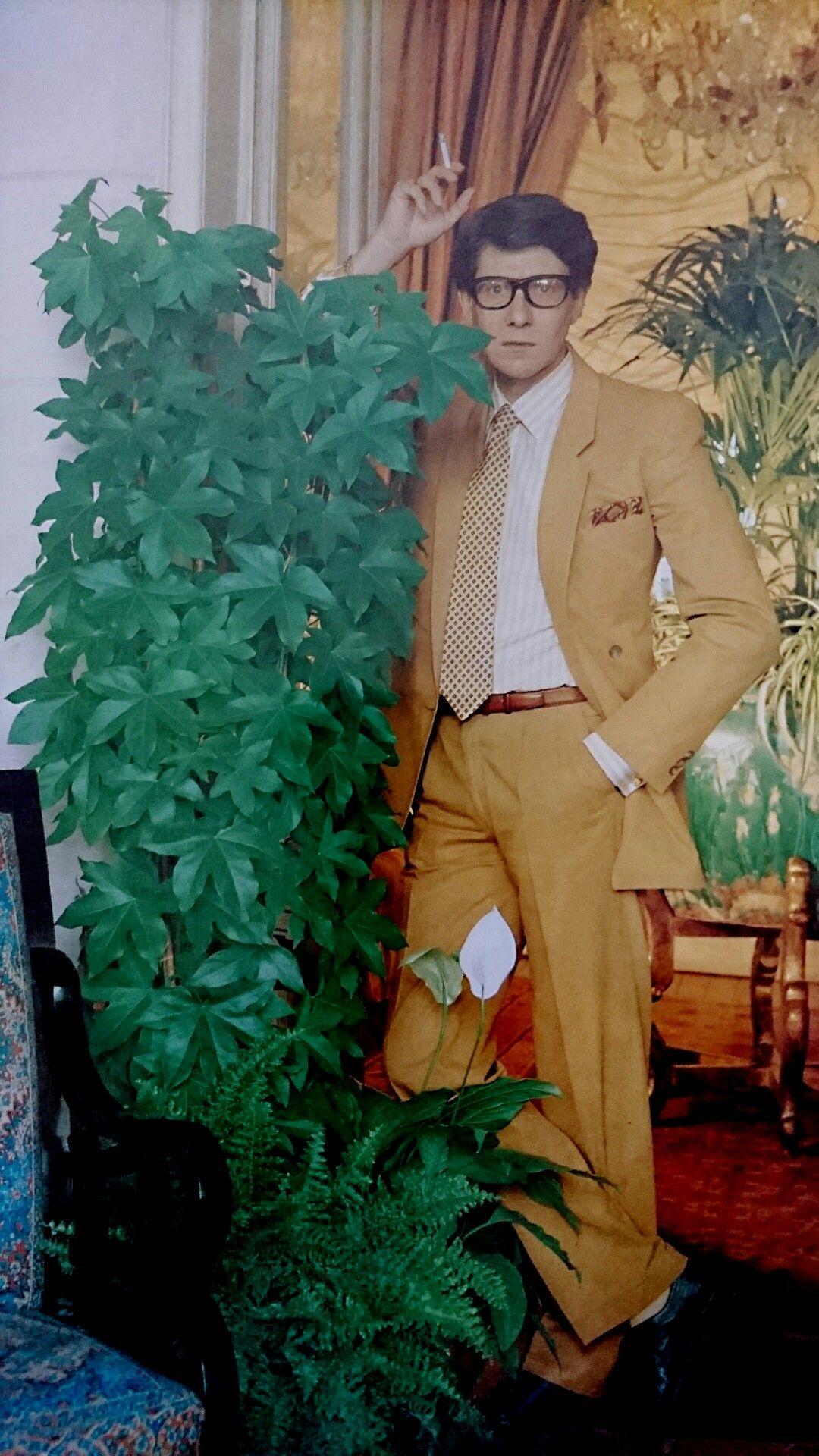 Yves Saint Laurent à Deauville  1984.  Photographie de Horst