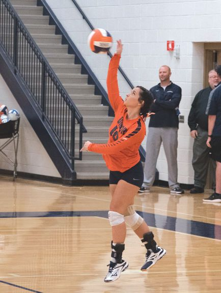 Pin By Payton Vackert On Volleyball With Images Volleyball Sports Basketball Court