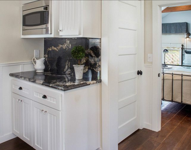 Best White Kitchen Cabinet Paint Color Benjamin Moore White 400 x 300