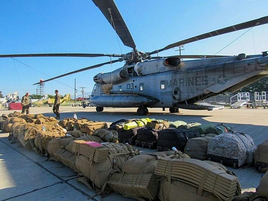 100 troops staged in Caribbean to help with disaster relief after #HurricaneMatthew https://t.co/GY0RJzB4DJ https://t.co/5agcN0Bnxu
