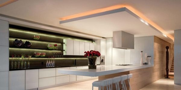 Suspended ceiling for modern kitchen with superb lighting for Modern kitchen lighting design