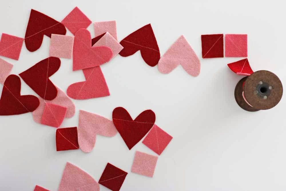 How to make: Wool Felt Heart Garland #DIY #Felt via @Venessa Vasquez Rector Vasquez Rector Christenson