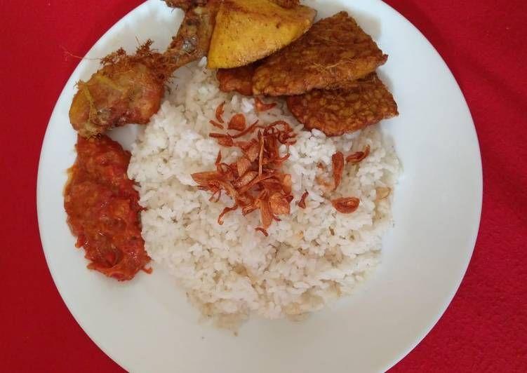 Resep Nasi Uduk Rice Cooker Oleh Indah R Pratiwi Resep Resep Masakan Indonesia Resep Masakan Resep