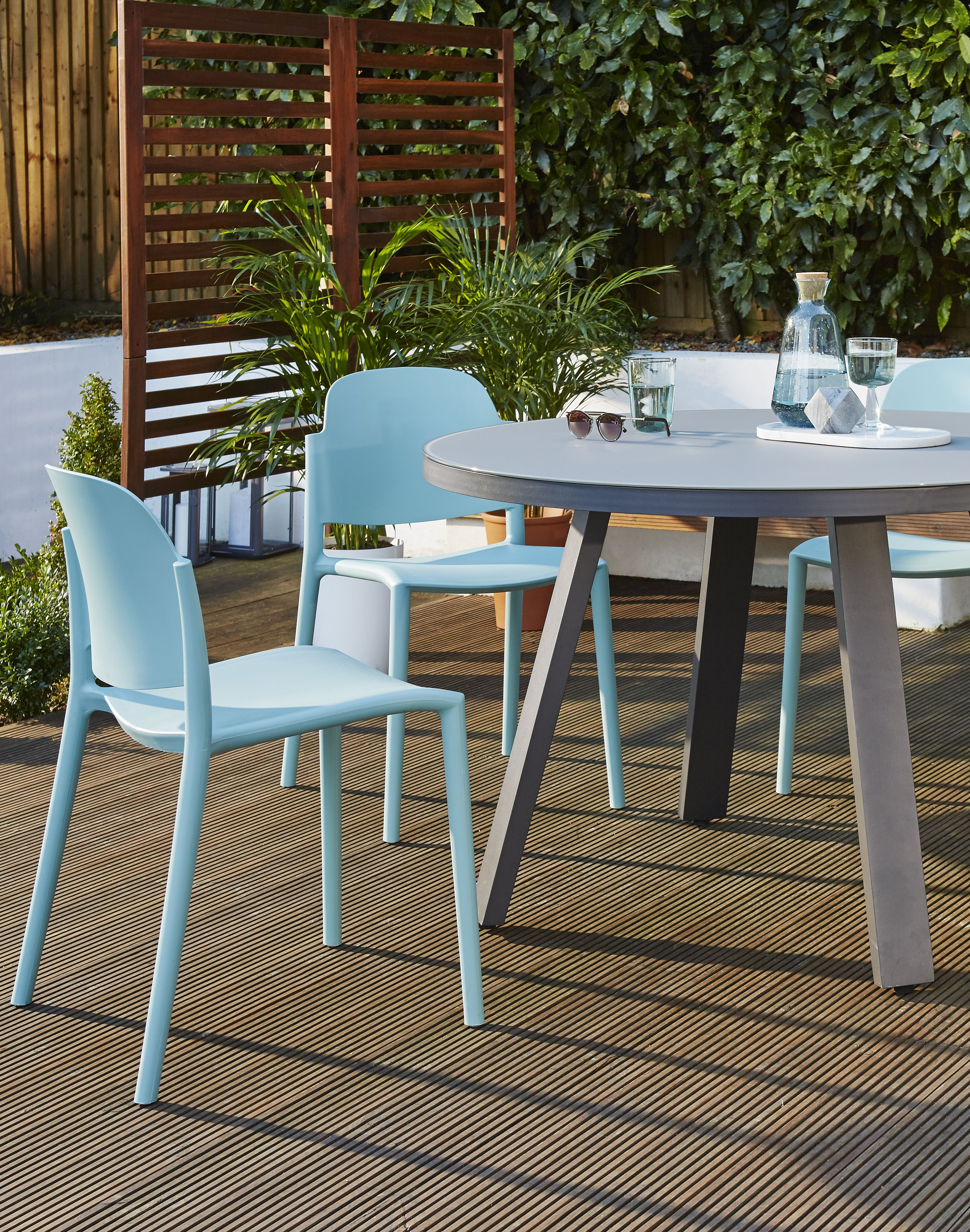 Prime Koko Round Dining Table And Lola Dining Chair Set Danetti Home Interior And Landscaping Ferensignezvosmurscom