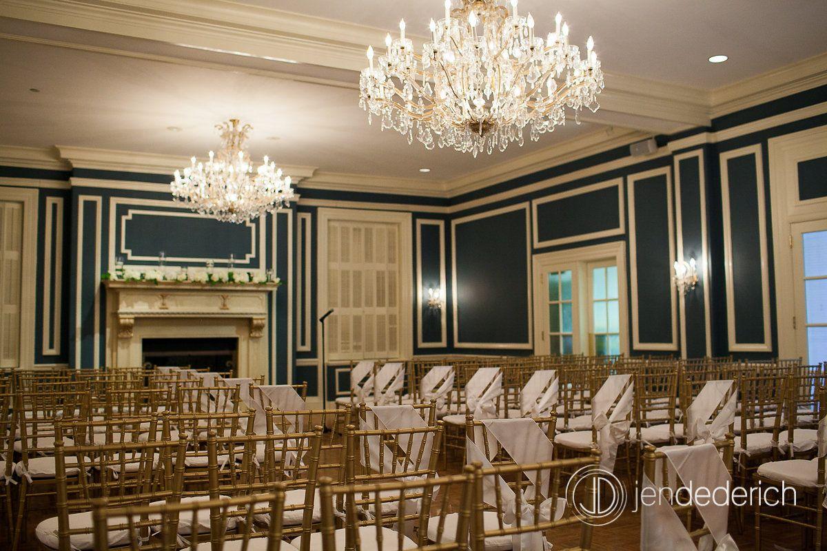 Ceremony space at the Madison Club  Jen Dederich Photography. #Weddings #madisonclub #madison #madisonweddings www.madisonclub.org