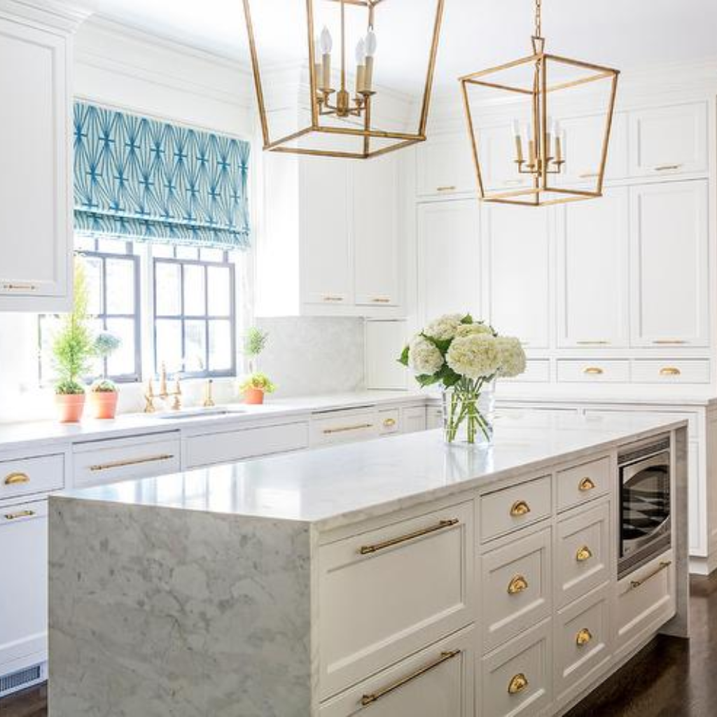 One Of The Best Kitchen Ideas When It Comes To Giving A Facelift To Your Kitchen Is To Find Contemporary Kitchen Classic Kitchen Design Kitchen Remodel Trends