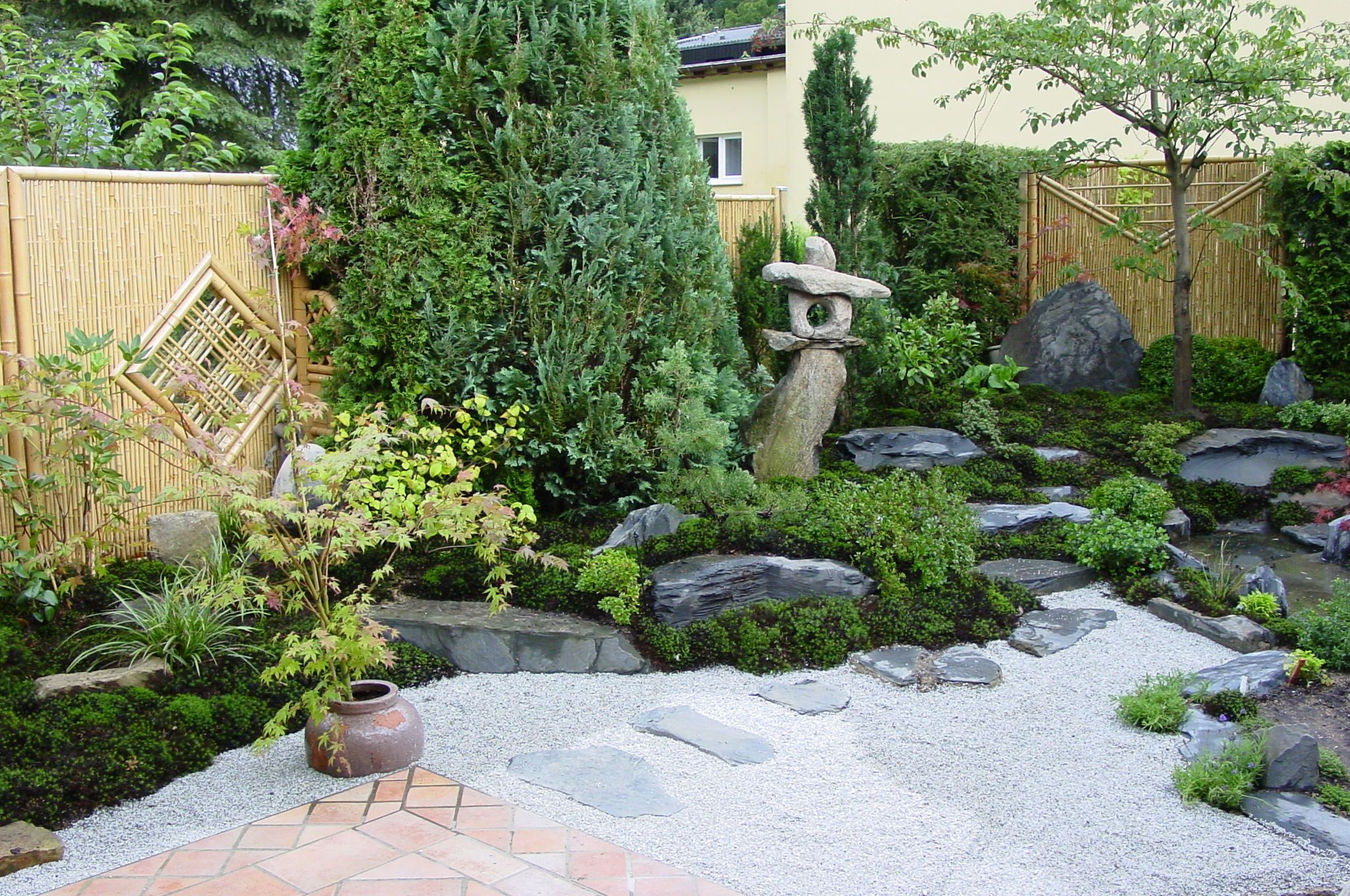 moosgarten japanese gardens designed by. Black Bedroom Furniture Sets. Home Design Ideas
