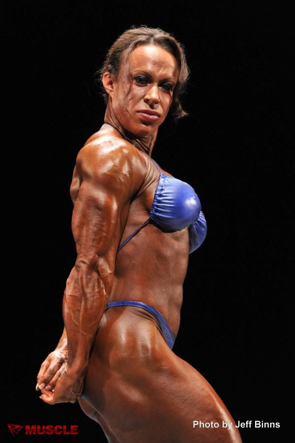 bodybuilder Jennifer kennedy