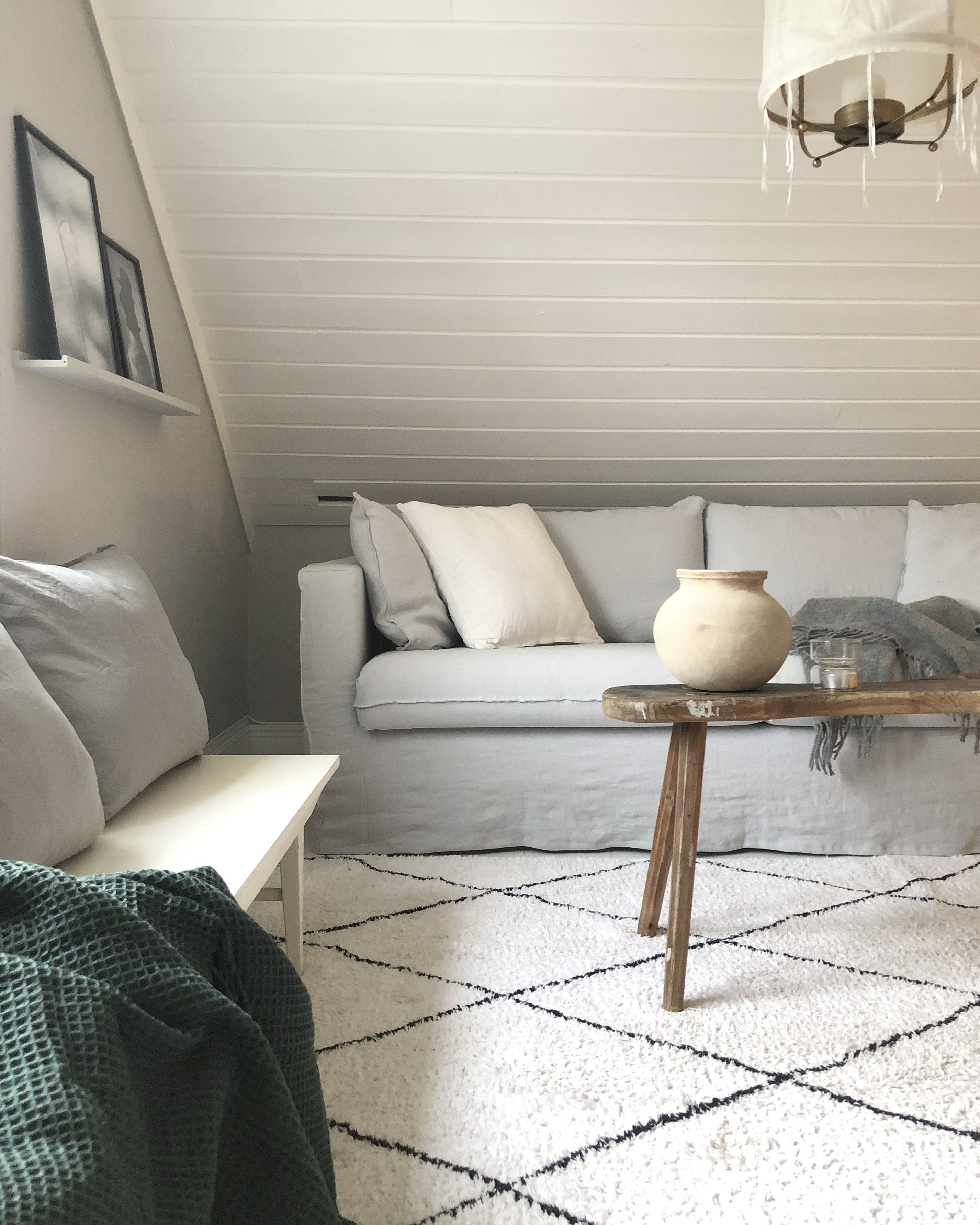 White And Grey Living Room Featuring An Beni Ourain And Rustic Wooden Coffee Table Light Grey Linen Living Room Grey Modern Furniture Living Room Sofa Covers