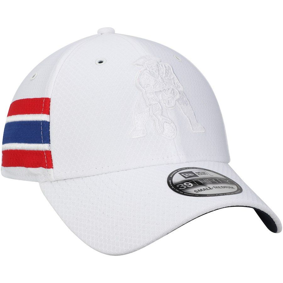 743fe64eb89b3 Men s New England Patriots New Era White Historic Logo Kickoff 39THIRTY  Flex Hat