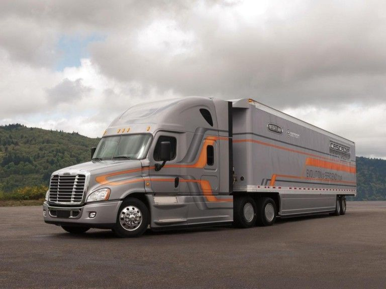 Trucking Freightliner Trucks