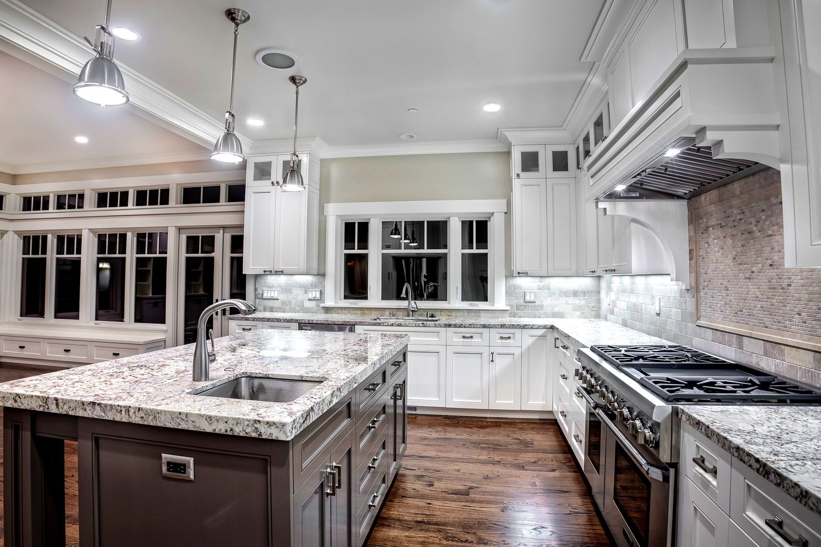 Gray and white kitchen ideas kitchen dreams pinterest kitchens