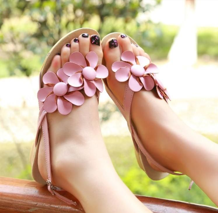 Lovely Flat Heels Thong Sandals with Flowers. #shoesbar #maybefashion
