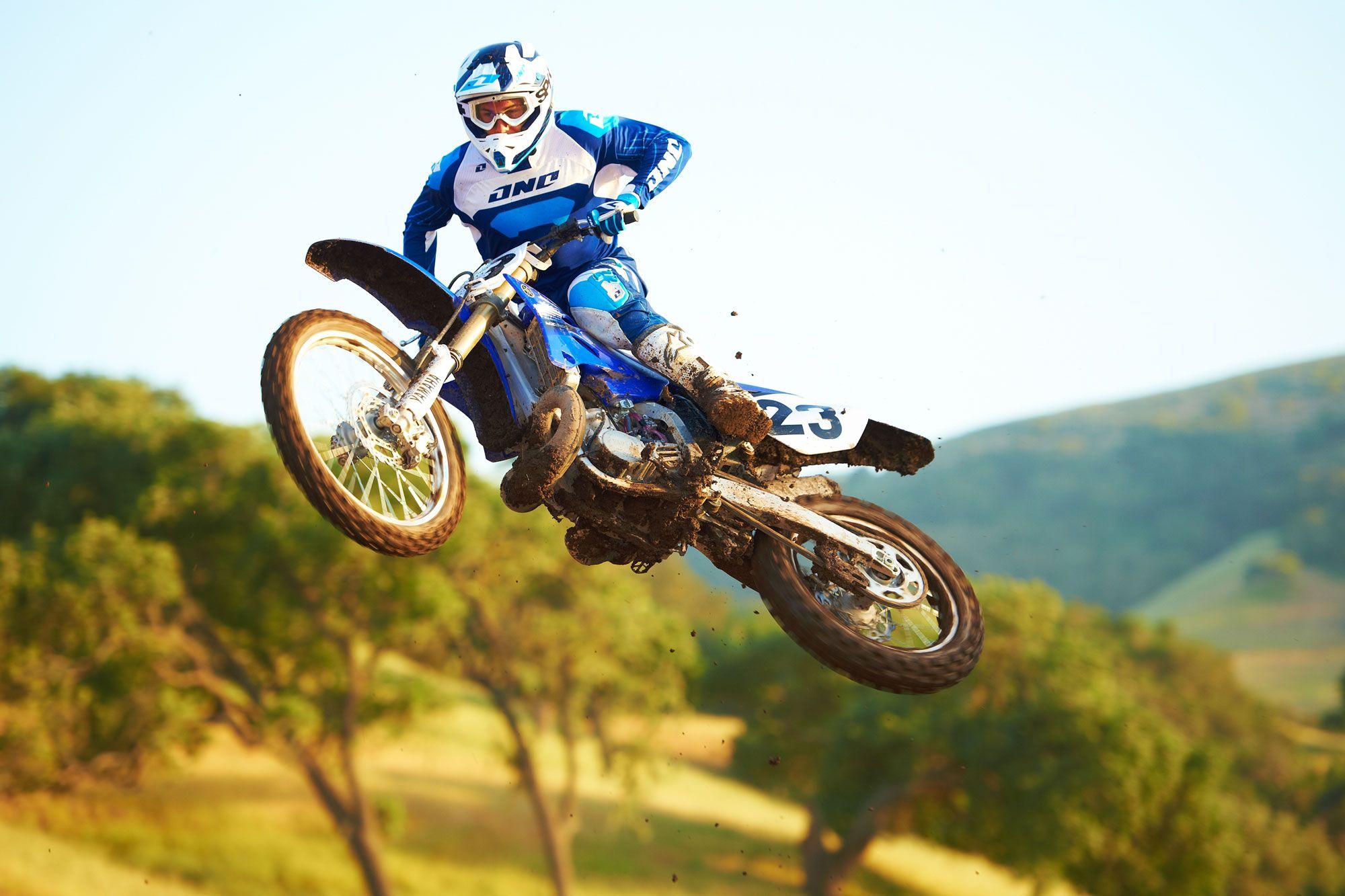 Click on image to download 1991 YAMAHA YZ250 2-STROKE MOTORCYCLE REPAIR  MANUAL