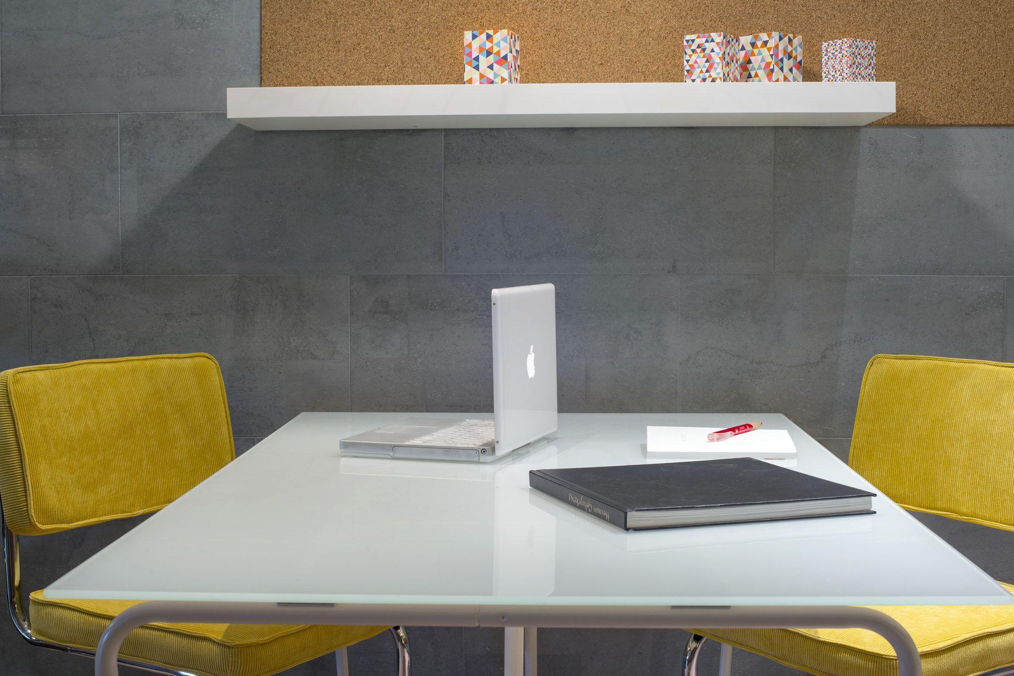 Tips om van je werkplek een aangename en efficiënt thuiskantoor te maken om va Tips om van je werkplek een aangename en efficiënt thuiskantoor te maken