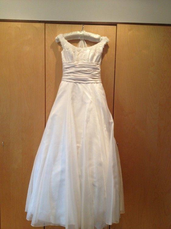 8ed6bebc40f Phillipa Lepley Size 10 Second Hand Wedding Dress