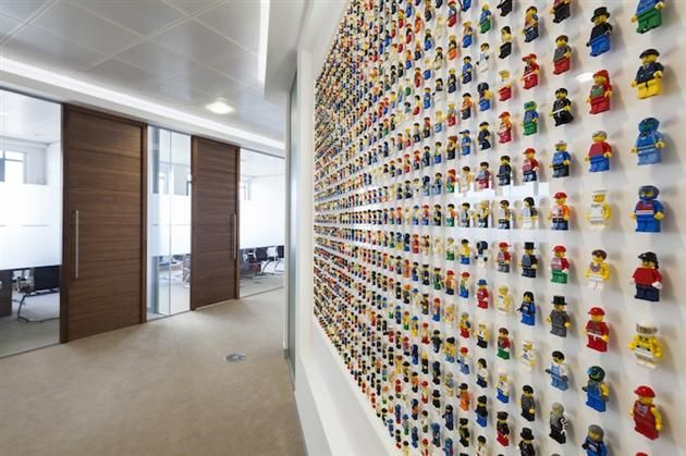 1200 Minifigure LEGO Office Wall By Acrylicize (6)