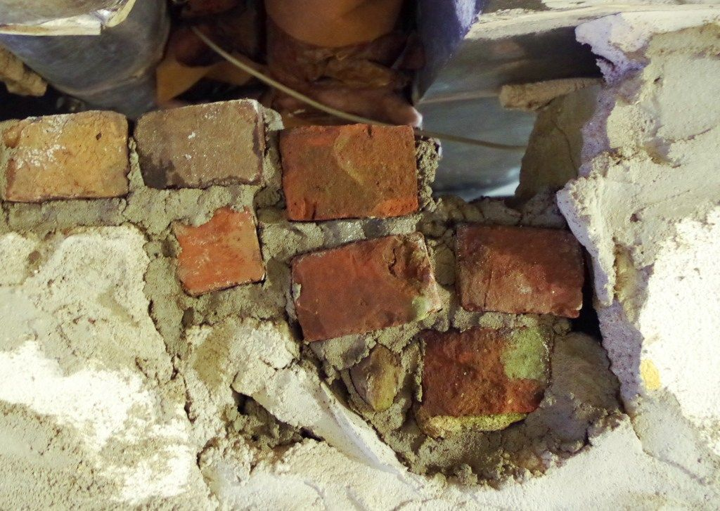 How To Fix A Big Hole In A Cement Wall In 2020 With Images Cement Walls Plaster Walls Cement