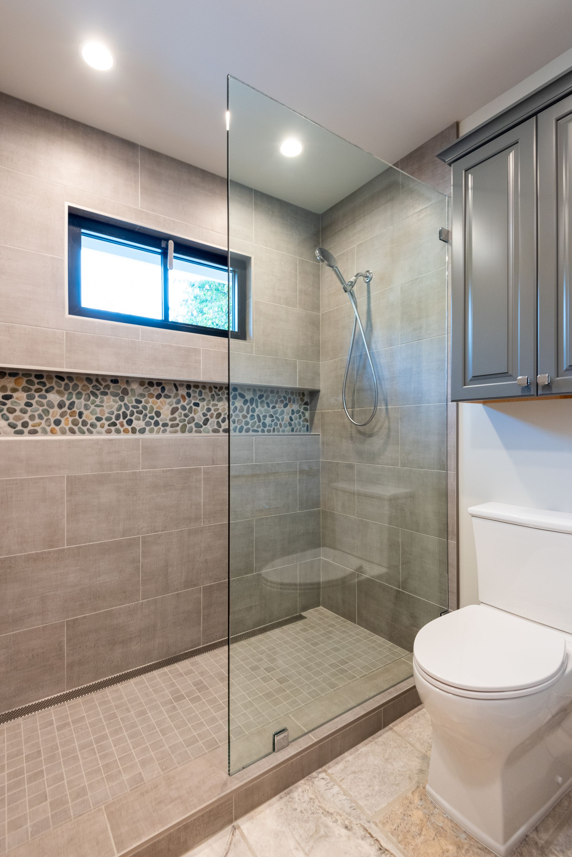 Valley River Bathroom In 2020 Recessed Can Lights Stone Countertops Removable Shower Head