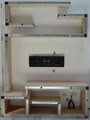 Construction originale et simplifi e assemblage d 39 une ossature m tallique avec des montants - Meuble tv cloison ...