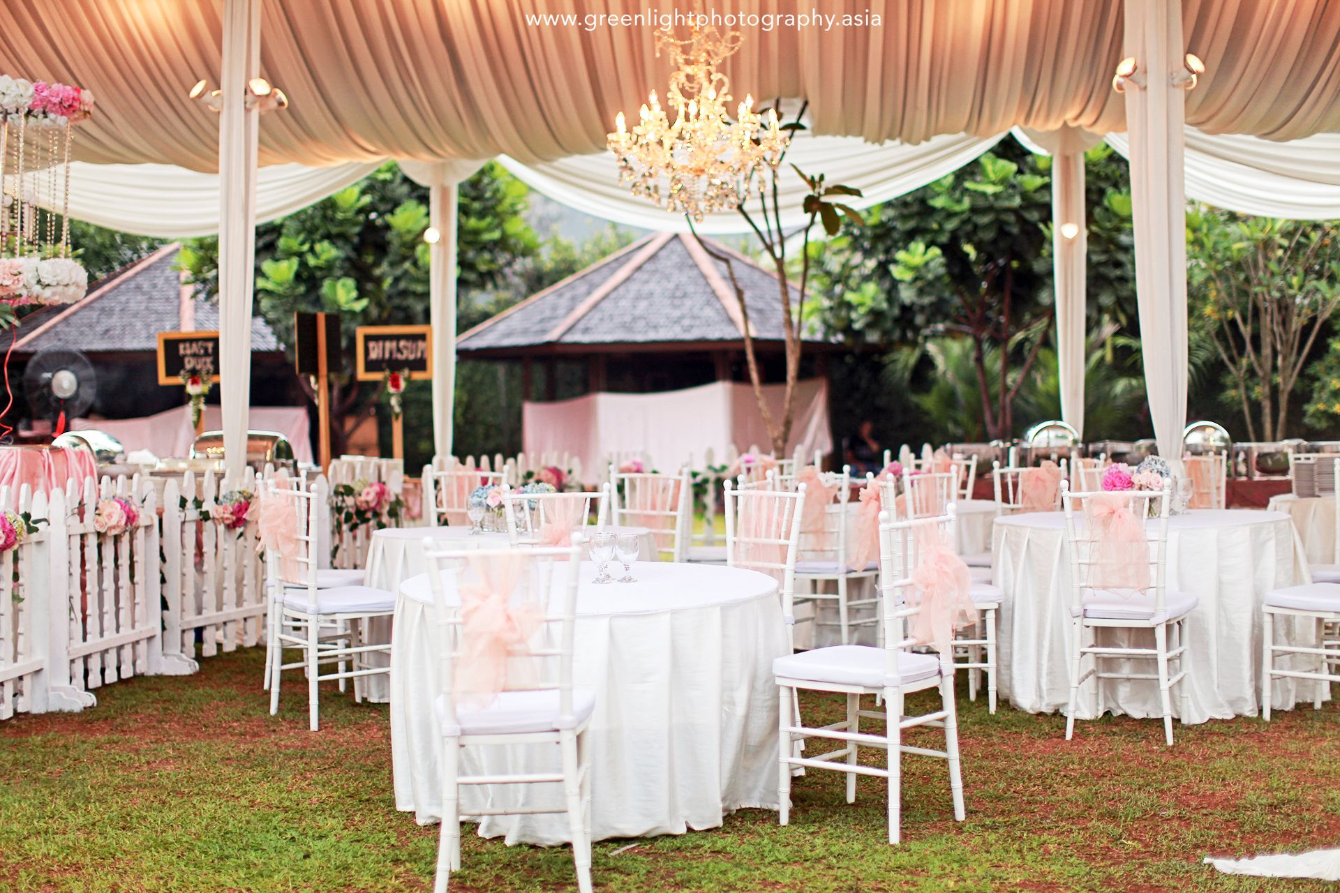 Secret garden wedding at pondok indah lestari outdoor wedding secret garden wedding at pondok indah lestari outdoor wedding pondok indah lestari thebridedept junglespirit