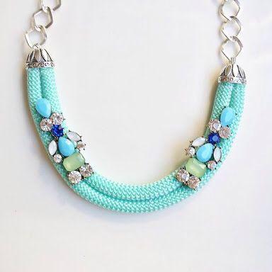 cdf2af10422b Collar de cordón y piedras