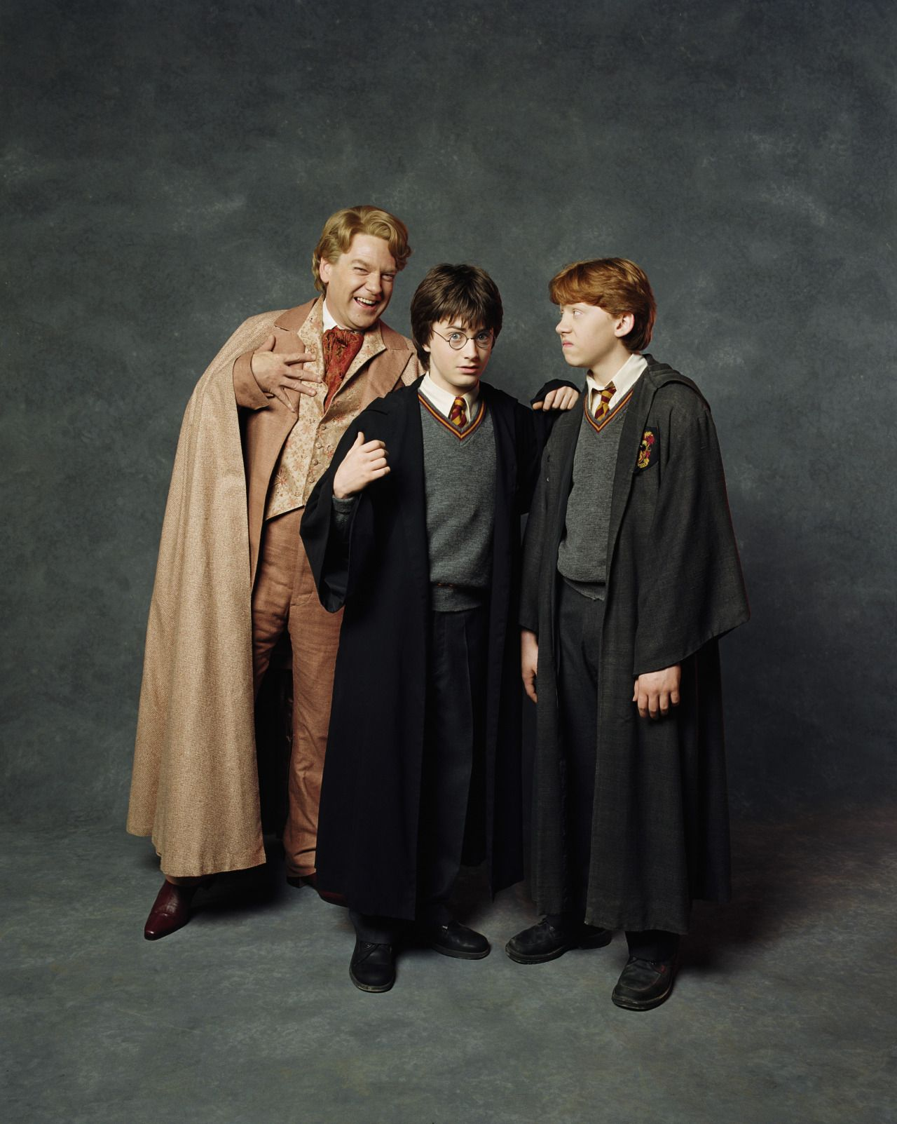 Hq Stills Of Kenneth Branagh As Gilderoy Lockhart Harry Potter And The Chamber Of Secrets 2002 Lockhart Harry Potter Harry Potter Ron Harry Potter Images