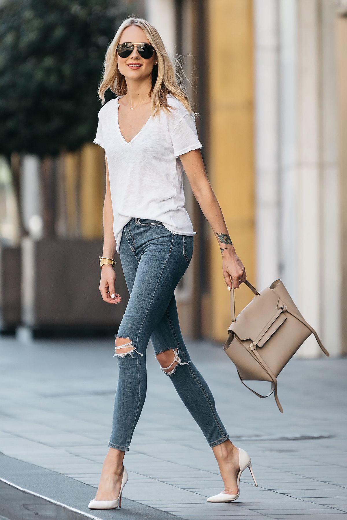 Fashion Jackson, Dallas Blogger, Fashion Blogger, Street Style, White Tshirt, Topshop Denim Ripped Skinny Jeans, Christian Louboutin White Pumps, Celine Belt Handbag, Celine Aviator Sunglasses