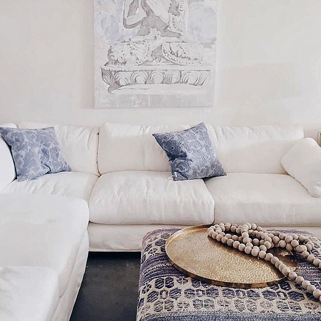 Rachel Ashwell Shabby Chic living room sectional and blue pillows #shabbychic #sectional #sofa