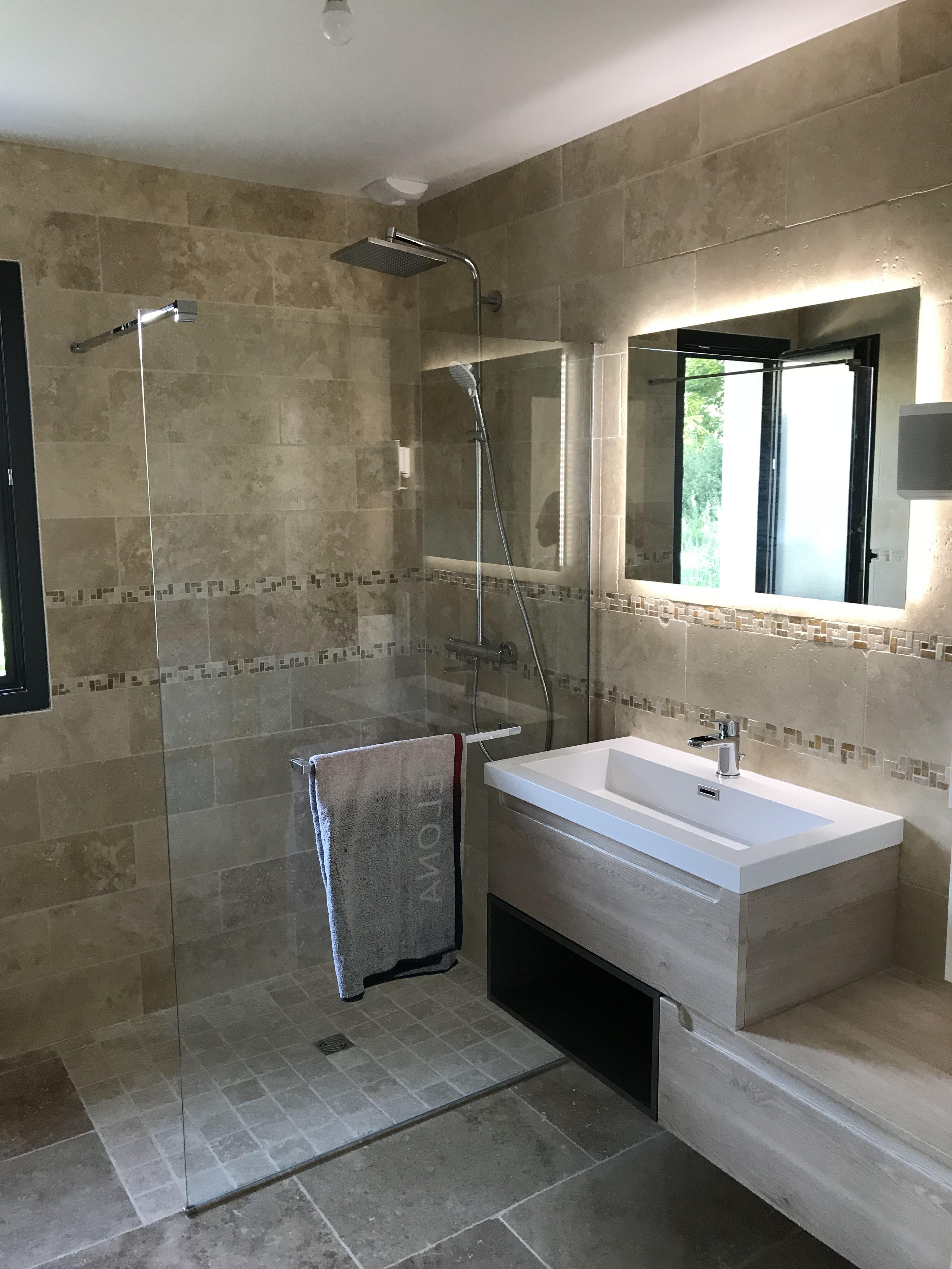Salle de bain travertin  Salle de bain travertin, Idée salle de