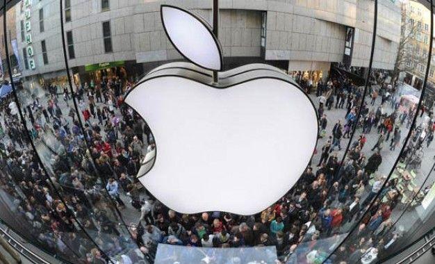Apple contrata a hacker que varias veces vulnero su sistema http://www.audienciaelectronica.net/2014/03/03/apple-contrata-a-hacker-que-varias-veces-vulnero-su-sistema/