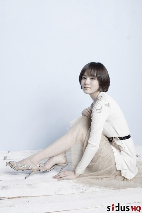 Chae Rim Signs On To New Drama Dramabeans Deconstructing Korean Dramas And Kpop Culture Korean Actresses Asian Actors Asian Short Hair