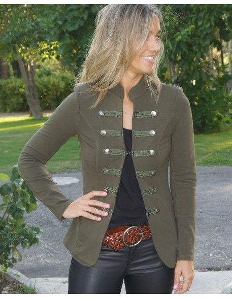 9a8f85cfbb4 Chaqueta militar botones | StyLe in 2019 | Fashion, Fall outfits ...