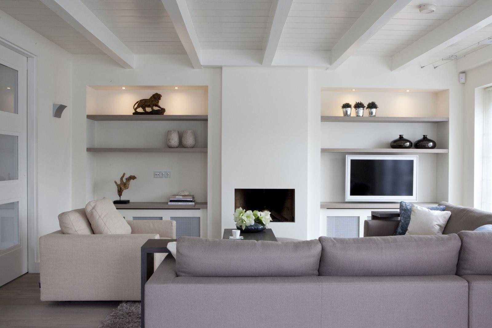 Planken naast de haard mooi die symmetrie my future for Decoratie naast tv