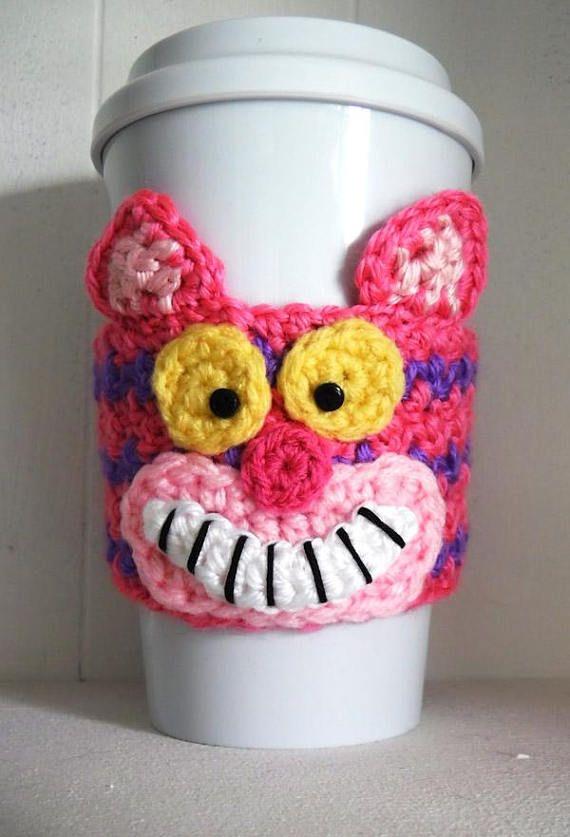 Crochet Cheshire Cat Coffee Cup Cozy | Taza de café acogedor, Café ...