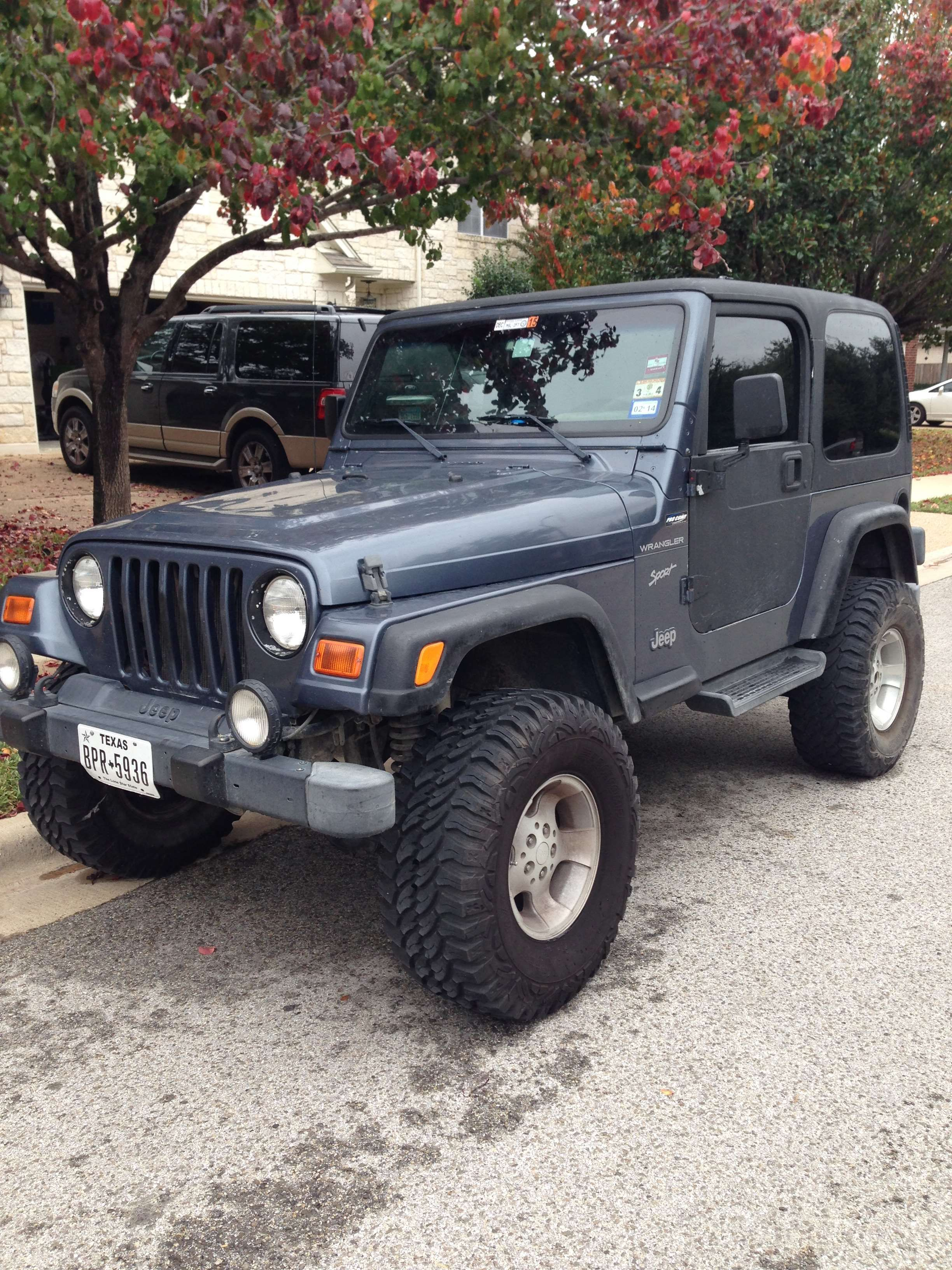 Make Jeep Model Wrangler Year 2002 Exterior Color Blue