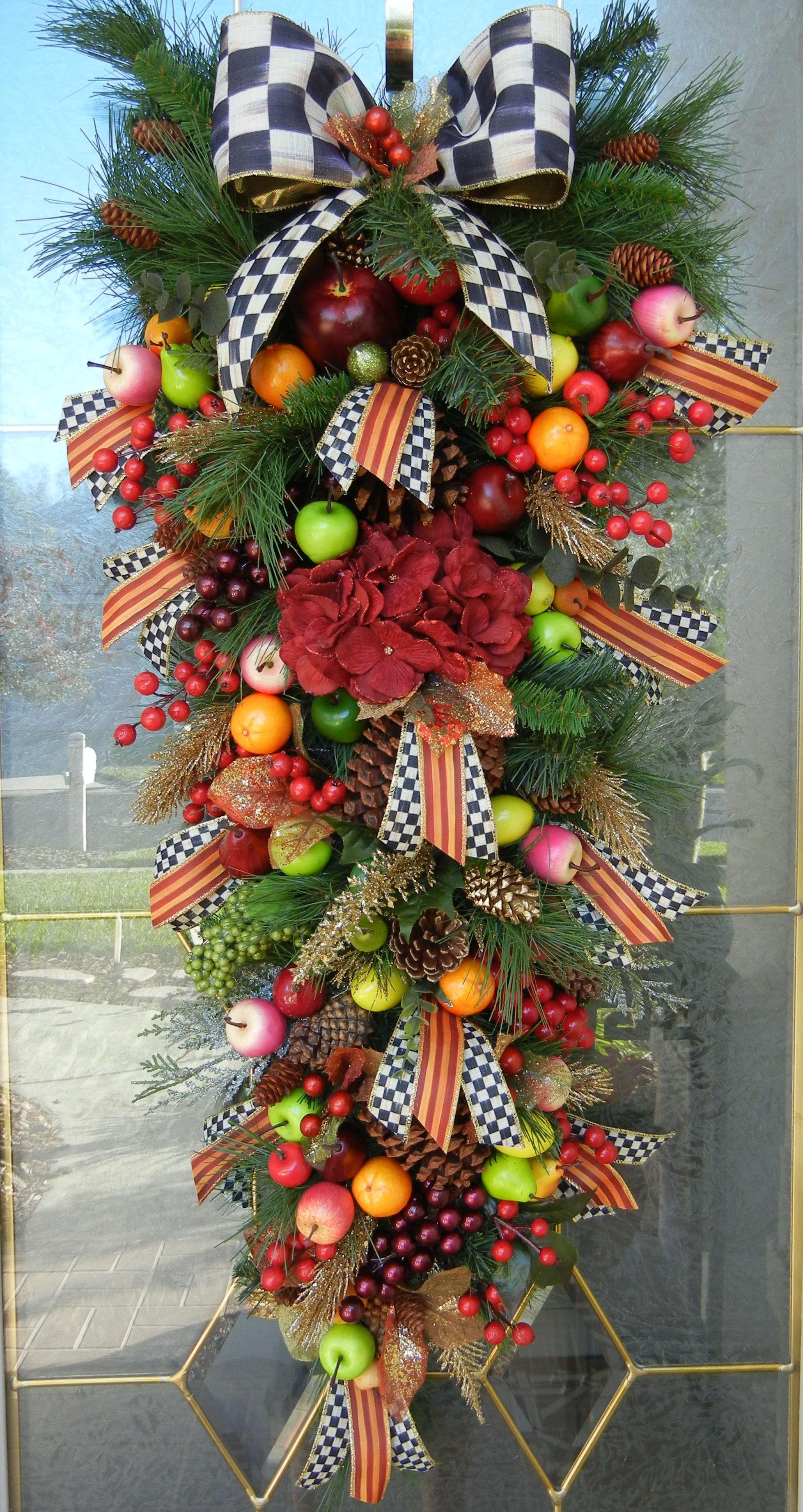Williamsburg Colonial Swag Teardrop Wreath Williamsburg Christmas Christmas Decorations Christmas Swags