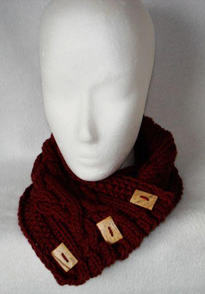 Strickschal mit Knöpfen in rost  von Frau mit Hut auf DaWanda.com