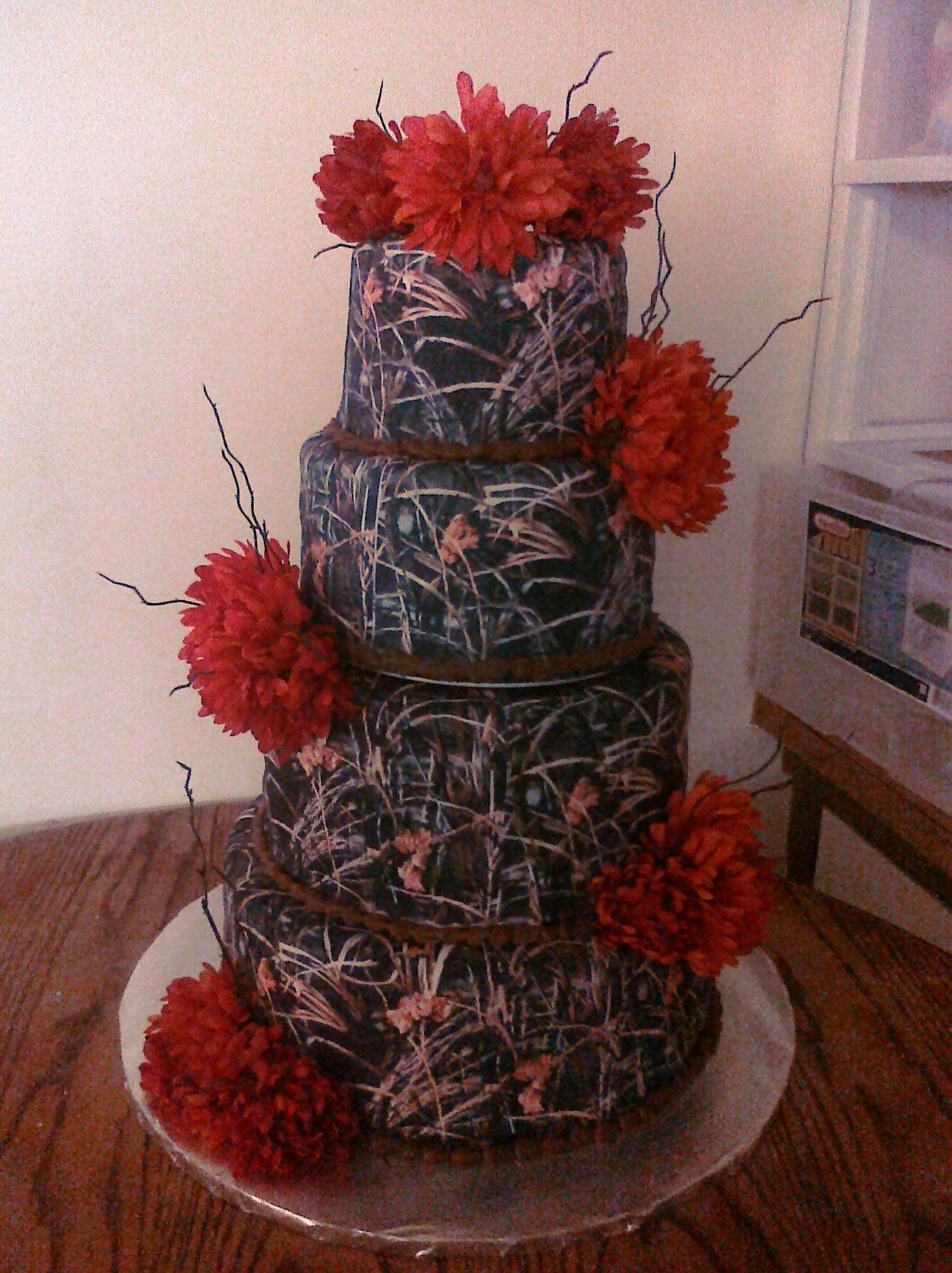 camo wedding cake For Tiff Pinterest